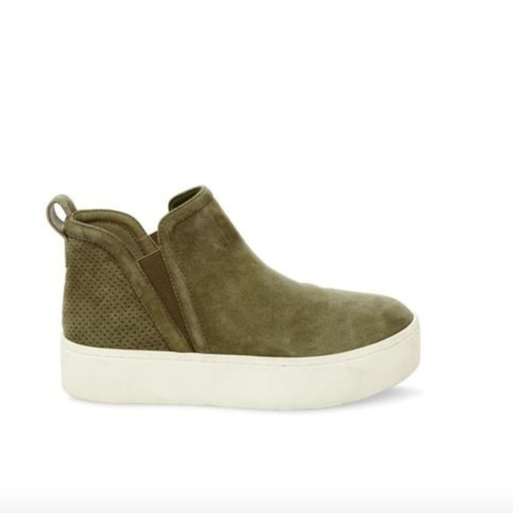 7eb1bd8d60a Steve Madden Ferry Olive Suede Sneakers. M 5c0358f8c2e9feb4868c2fe2